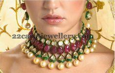 Saved by radha reddy garisa India Jewelry, Pearl Jewelry, Antique Jewelry, Beaded Jewelry, Jewelery, Gold Jewelry, Bead Necklaces, Diamond Necklaces, Diamond Jewellery
