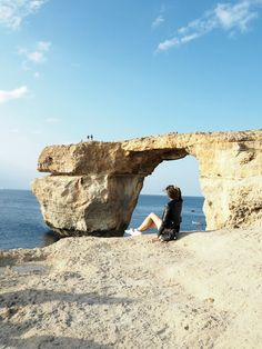 Malta Travel Guide: Are you planning of going to Malta in autumn? Find out what to do, where to sleep and where to eat on the Maltese Islands.