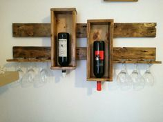 Browse a wide selection of mauve rack models, including barrier affixed violet steps and unique wine container keepers. Wine Glass Rack, Wine Rack Wall, Wine Shelves, Wine Storage, Wine Bottle Holders, Wine Bottle Crafts, Diy Pallet Projects, Diy Furniture Projects, Rustic Wine Racks