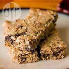 Barrinha de cereal caseira @ allrecipes.com.br - Faça a sua própria barrinha de cereal com ingredientes naturais.