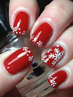 Here is a tutorial for an interesting Christmas nail art Silver glitter on a white background – a very elegant idea to welcome Christmas with style Decoration in a light garland for your Christmas nails Materials and tools needed: base… Continue Reading → Christmas Nail Polish, Cute Christmas Nails, Xmas Nails, Holiday Nails, Red Nails, Simple Christmas, Christmas Snowflakes, Christmas Ideas, Christmas Colors