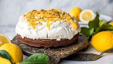 Påskekaker: Seks deilige kaker til påske - Godt.no Pudding Desserts, Dessert Recipes, Decadent Food, Pavlova, Christmas Baking, Scones, Camembert Cheese, Cheesecake, Cooking Recipes