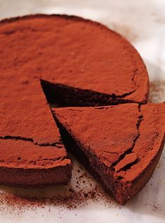 Gâteau au chocolat et aux amandes (Torta caprese) Tomato Cake, Ricardo Recipe, Flourless Chocolate Cakes, Sugar Cake, Almond Cakes, Pudding Cake, Sweet Bread, Cake Recipes, Sweet Tooth