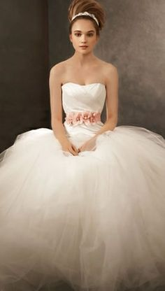 This will be my wedding dress, Vera Wang :]