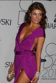 Slip pussy Celebrity malfunctions wardrobe