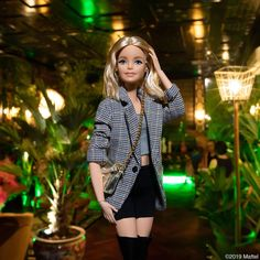 Attending presentation, this collection is designed by the chicest female design duo. Barbie Dolls Diy, Barbie Fashionista Dolls, Diy Barbie Clothes, Barbie Model, Barbie Dress, Barbie Style, Tween Fashion, Fashion Dolls, Fashion Outfits