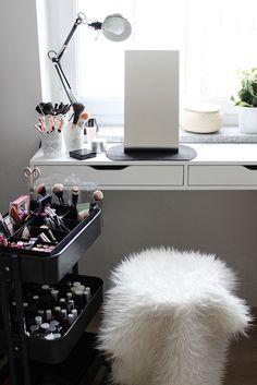 who is mocca, fashionblog, blogger tirol, home story, interior, beautyecke, beauty aufbewahrung, schminkzeug, raskog, ikea, servierwagen, makeup pinsel, whoismocca.com
