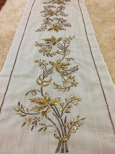 Hand Work Embroidery, Hand Embroidery Designs, Embroidery Dress, Embroidery Patterns, Machine Embroidery, Crazy Quilting, Button Hole Stitch, Embroidered Bird, Embroidery Transfers