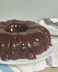 Best Chocolate Desserts, Chocolate Bundt Cake, Fun Desserts, Delicious Desserts, Chocolate Sour Cream Cake, Cupcakes, Cupcake Cakes, Cake Recipes, Dessert Recipes