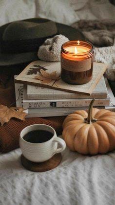 Wallpaper Free, Fall Wallpaper, Thanksgiving Wallpaper, Autumn Cozy, Autumn Aesthetic, Fall Pictures, Thanksgiving Pictures, Coffee And Books, Autumn Photography