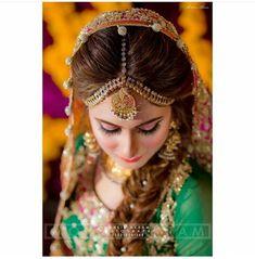 Pakistani Mehndi Dress, Pakistani Formal Dresses, Pakistani Bridal Wear, Pakistani Couture, Beautiful Bridal Dresses, Beautiful Bride, Dress Makeover, Pakistan Bride, Brides 2017