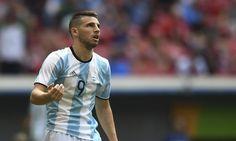 Sem espaço no West Ham, o nome de Jonathan Calleri vem ganhando força nos bastidores do Grêmio, que confirmou que tem o interesse de contrata-lo para 2017.