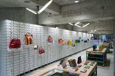 FREITAG store in Shibuya by spillmann echsle architekten Torafu Architects Tokyo 02 Retail Interior Design, Retail Store Design, Retail Shop, Visual Merchandising, Store Interiors, Shops, Design Blog, Retail Space, Design Furniture