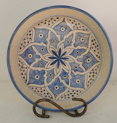 Plate Wall Decor, Plates On Wall, Pottery Painting, Ceramic Painting, Ceramic Plates, Decorative Plates, Glaze Paint, Plate Design, Glazes For Pottery