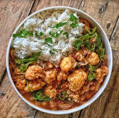 10 idées de marinades végétales | Vegan freestyle Seitan, Tempeh, Tofu, Marinade Bbq, Sauce Sriracha, Freestyle, Fresh And Clean, Curry, Ethnic Recipes