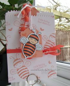 Stampin' Up UK Demonstrator Sarah-Jane Rae Cards and a Cuppa blog: Day 3 of 7 Days using Baby Bumblebee by Stampin' Up! Gift Card Holder with Mini Treat Bag Thinlits