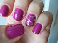 Criss-cross nail art with striping tape #HodgesPodges