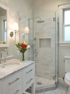 7 X 7 Bathroom Design Ideas, Remodels & Photos