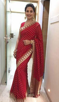 Madhuri Dixit in Red Saree Designer Sarees Wedding, Bollywood Designer Sarees, Bollywood Saree, Wedding Sarees, Wedding Dresses, Lehenga Designs, Sari Blouse Designs, Simple Sarees, Trendy Sarees