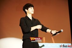 Song Joong Ki spending a special time with 600 fans at the Asia Tour Fan Meeting [KSTAR]