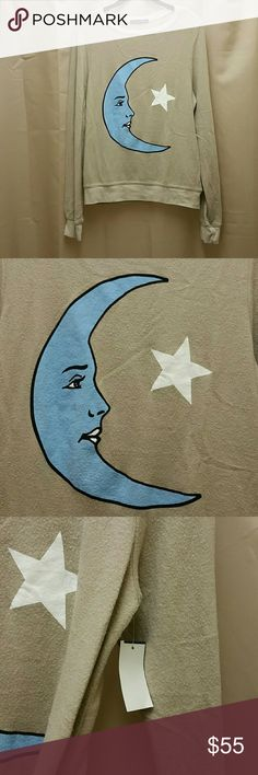 NWT Wildfox Moon Star Celestial BBJ S, XS New With Tags  Wildfox  Celestial Moon, Star Baggy Beach Jumper  Umm errr.. Pictures do not do justice since it matches my shower curtain Manufacturer's Pilling  Beautiful Blue on the Tan, Beige Tagged S, would also fit XS  Ask Questions Wildfox  Tops