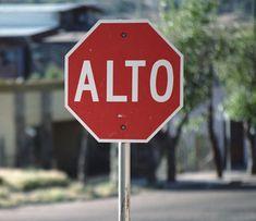 stop sign 'alto'