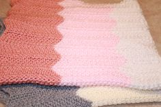 Chevron baby blanket. Original pattern from The Purl Bee.