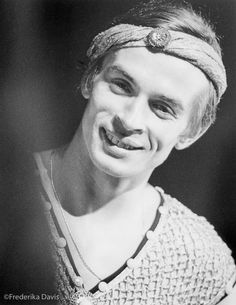 Nureyev in costume for 'Le Corsaire', 1962