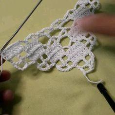 Crochet Table Runner Pattern, Crochet Bikini Pattern, Crochet Mandala Pattern, Crochet Lace Edging, Crochet Square Patterns, Crochet Squares, Crochet Designs, Filet Crochet Charts, Crochet Flower Tutorial