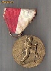 Medalii Romania - CIA 232 Medalie Intreceri sportive militare (pe schiuri) (Elvetia) -dimensiuni circa 70X30 milimetri