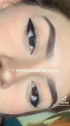 Makeup Tutorial Eyeliner, No Eyeliner Makeup, Skin Makeup, Emo Eyeliner, Grunge Makeup Tutorial, Eyeliner Ideas, Eyeliner Styles, Makeup Eye Looks, Eye Makeup Art