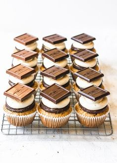 I'M on a s'mores roll lately! i had so many leftover marshmallows and ghirardelli squares from making my chocolate chunk cookie s'mores the other week that Chocolate Caramel Brownies, Chocolate Peanut Butter Cupcakes, Salted Caramel Frosting, Salted Chocolate, Chocolate Chunk Cookies, Chocolate Recipes, Oreo Cupcakes, Yummy Cupcakes, Cupcake Cakes