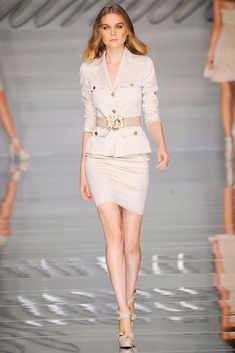 Blumarine Spring 2010 Ready-to-Wear Collection Photos - Vogue
