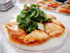 Tested and true scrumptious. Made with zoodles, salad served separate from chicken. Warm Chicken Parmesan Salad recipe from Giada De Laurentiis via Food Network Giada Recipes, Salad Recipes, Healthy Recipes, Healthy Dishes, Parmesan Recipes, Healthy Meals, Keto Recipes, Giada De Laurentiis, Skinny Chicken Parmesan