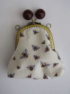 Bobble clasp purse - bees and flowers