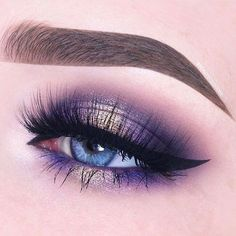 Purple gold delight  #glamprocosmetics #minklashes #lashes #makeupinspo #tartecosmetics #purpleeyeshadow #goldeyeshadow #perfectbrows #blueeyes