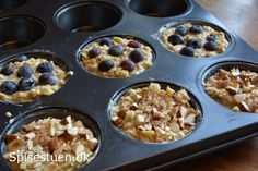 bagt-havregrød-6 Cake Recipes, Dessert Recipes, Desserts, Breakfast Snacks, Food Inspiration, Glad, Meal Prep, Food And Drink, Healthy Eating