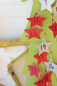 Easy DIY Christmas tree advent calendar #JoinTheSearch AD