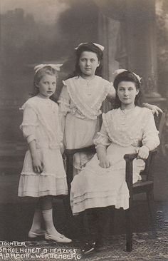 The three daughters of  Duke Albrecht of Württemberg. From left : Margarita (1902-1945) Maria Theresa (1898-1928) and Maria Amalia (1897-1923).
