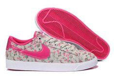 online retailer b9fd4 9cd84 Nike Air Jordan Retro, Air Jordan Shoes, Shoes Uk, Nike Shoes, Logo Nike,  Boutique, Retro Shoes, Foot Locker, Authentique