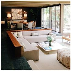 Sunken lounge room  Ligner det fra 2900 happiness ;)