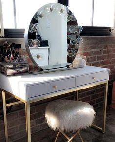20 Best Makeup Vanities & Cases for Stylish Bedroom vanity 20 Best Makeup Vanities & Cases for Stylish Bedroom Makeup Vanities, Bedroom Makeup Vanity, Makeup Vanity Case, Makeup Table Vanity, Vanity Room, Makeup Rooms, Vanity Tables, Vanity Ideas, Corner Makeup Vanity