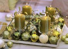 Um lindo arranjo ao centro da mesa em nossa ceia, completa com chave de ouro a decoração da noite de natal.   Trago para vocês algumas id...