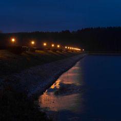 #reflectember pt. XII Nacht am See // an evening by the lake . . . #herbst #autumn #fall #nacht #night #blue #yellow #see #sorpesee #lake #sauerland #igerssauerland #reflektion #reflection #spiegelung #landschaft #landscape #natur #nature #naturfotografie #naturephotography #picoftheday #lightroom #photooftheday #df #Nikon #nikondf #smalltownsnapshots