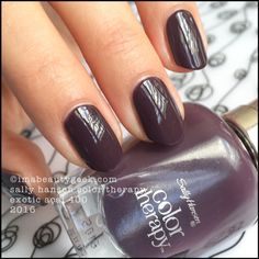 Sally Hansen Exotic Acai  - Color Therapy 2016
