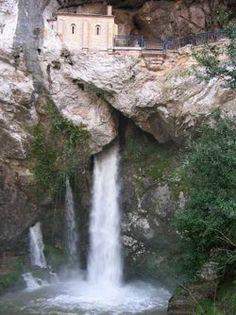 Cueva de Covadonga, Asturias, España