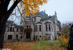 Villa Hagspihl (D) November 2014  abandoned villa in the former East Germany DDR urbex decay Photo by: Jascha Hoste