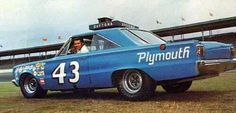 Richard Petty Cars by Year - Bing Images Nascar Sprint Cup, Nascar Racing, Auto Racing, Plymouth Cars, Plymouth Gtx, Richard Petty, King Richard, Le Mans Series, American Stock