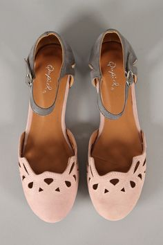 So many cute flats!                                                       …