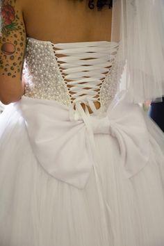 """Κοντά νυφικά με φιόγκο : """" d.sign by Dimitris Katselis """" real bride . Κοντό νυφικό με τούλινη φούστα και κεντημένο μπούστο με πέρλες . Ιδιαίτερη έμφαση στην πλάτη και τον μεγάλο φιόγκο πίσω . Bridal, Formal Dresses, Lady, Design, Fashion, Dresses For Formal, Moda, Bride, La Mode"""
